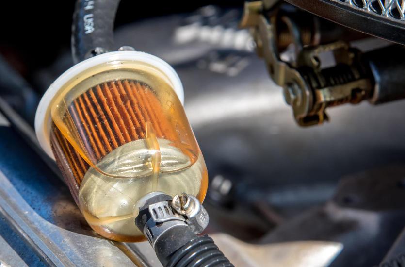 Jak często należy dokonać wymiany filtra paliwa?