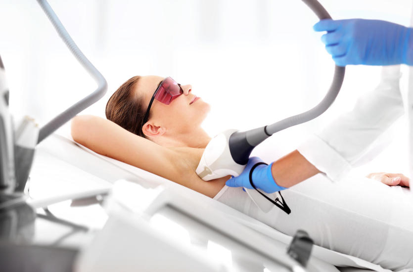 Czy warto inwestować w depilację laserową pach?