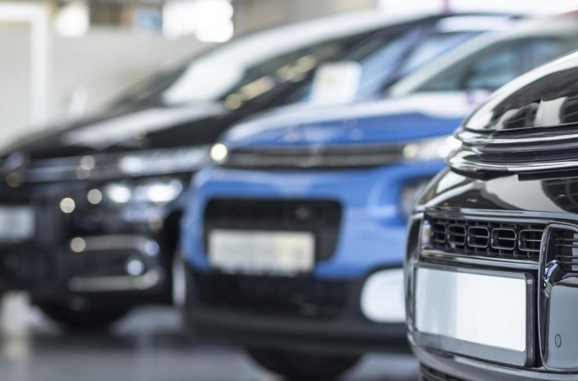 Dlaczego warto kupować samochody używane?