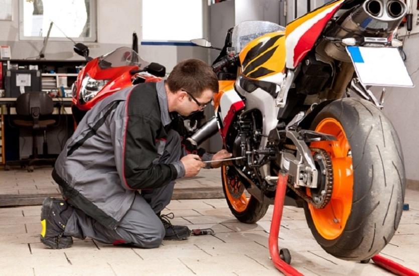 Jak dobrać olej dla motocykla?