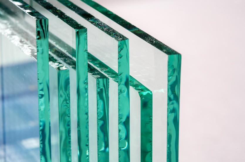 Piękno w tafli szkła – profesjonalne usługi szklarskie