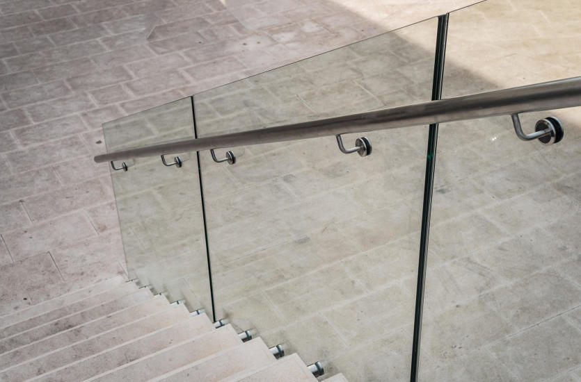 Uniwersalne zastosowania szkła