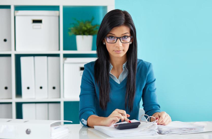Dlaczego warto zlecić prowadzenie księgowości biuru rachunkowemu?