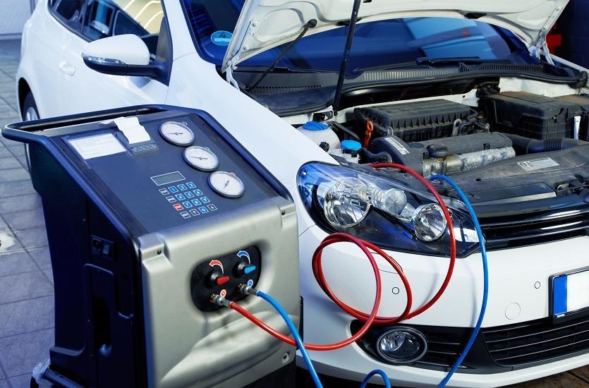 Prawidłowa konserwacja klimatyzacji w samochodzie.