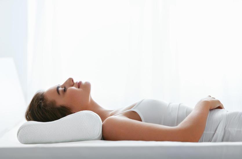 Idealna poduszka – dobry sen. Sprawdź jaką wybrać.