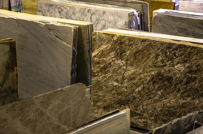 Wady, zalety oraz różnice pomiędzy granitem i marmurem