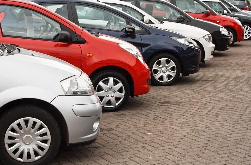 Zalety długoterminowego wynajmu samochodu