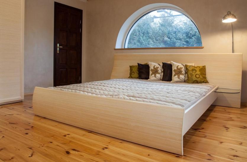 Drewniane łóżka z sosny na dobry sen