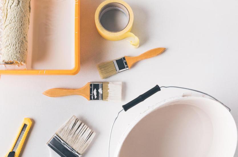 Przygotowanie ścian przed malowaniem