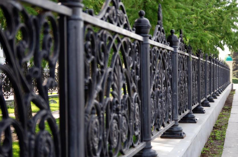 Z czego zbudować ogrodzenie panelowe?