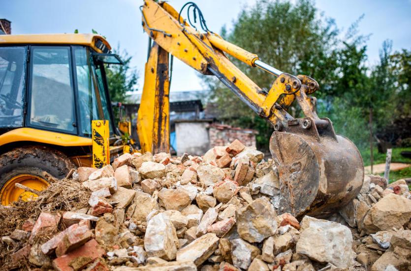 O czym trzeba pamiętać przed wyburzeniem budynku?