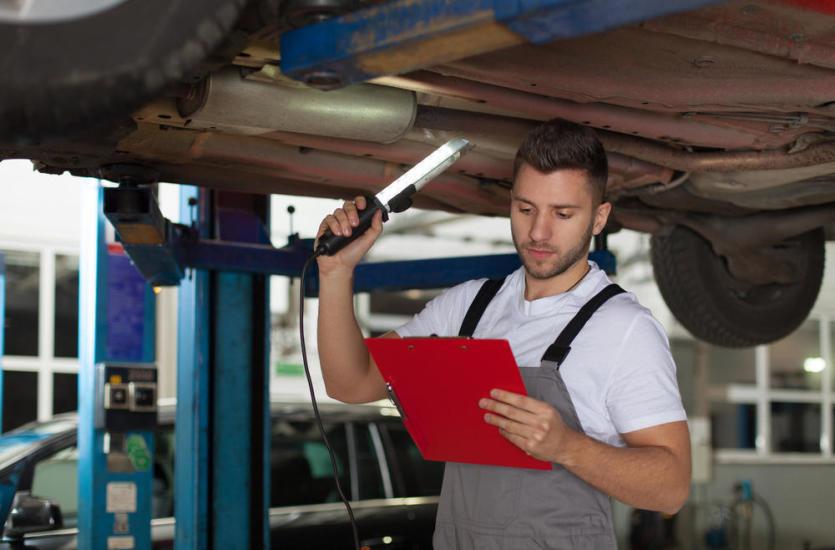 Dlaczego warto regularnie robić przegląd auta?