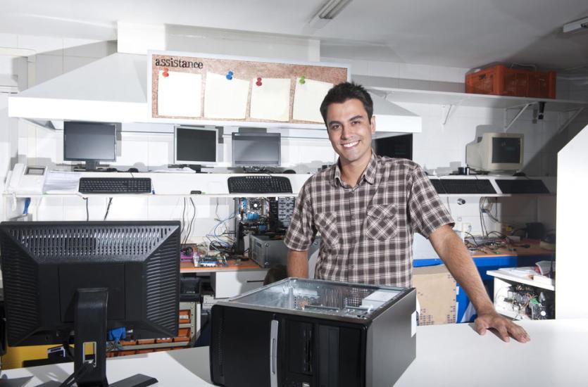 Wsparcie informatyczne dla firm – na co mogą liczyć przedsiębiorcy?