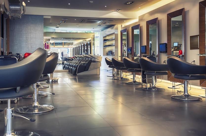 Jak wyposażyć salon fryzjerski?