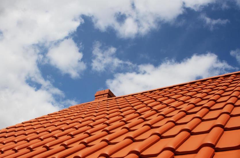 Dachówki ceramiczne – dach o najwyższych parametrach technicznych!