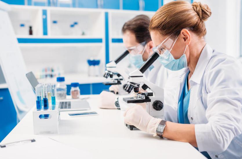 Jakie normy musi spełnić profesjonalne wyposażenie laboratoryjne?