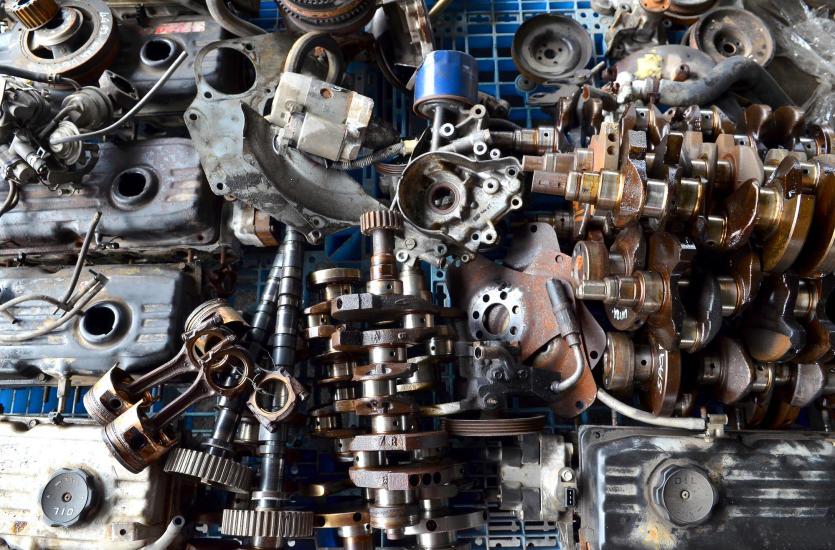 Używane części zamienne do samochodu – czy warto na nie postawić?