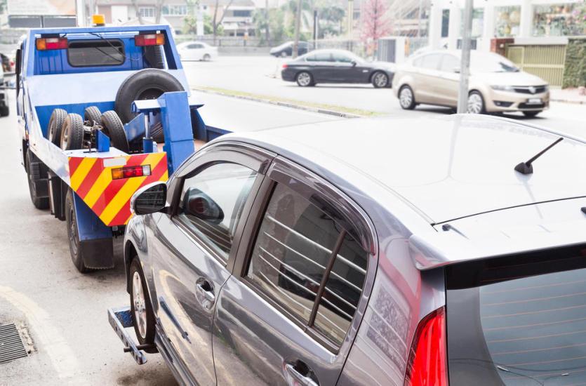 Na co warto zwrócić uwagę, holując samochód?