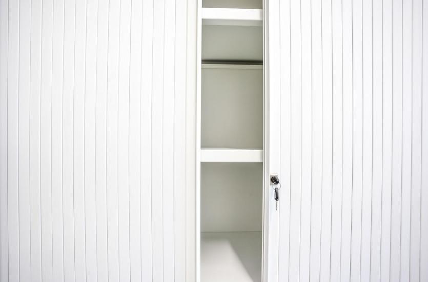 Metalowe szafy BHP – najważniejsze zalety i wady