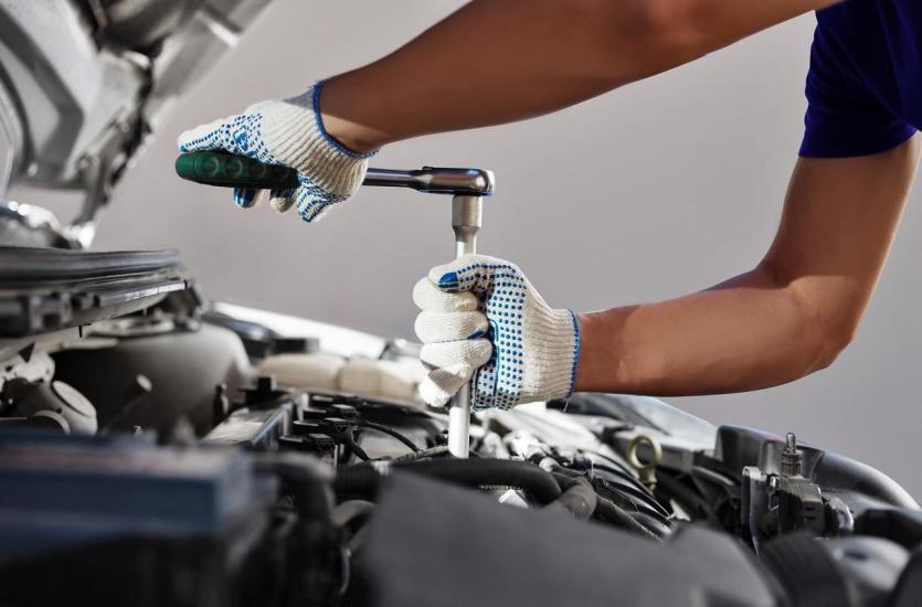 Zalety korzystania z oryginalnych części zamiennych do silników