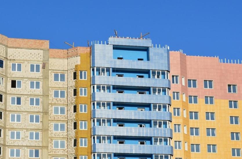 Dlaczego warto izolować budynek pianką poliuretanową?