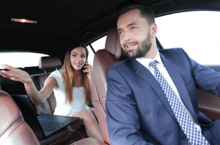 Jakie zasady zachowania obowiązują pasażerów w taksówce?