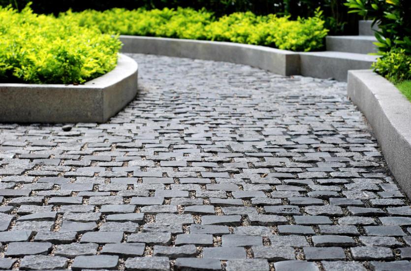 Chwalebne Kamień naturalny – estetyczne i trwałe chodniki PA09