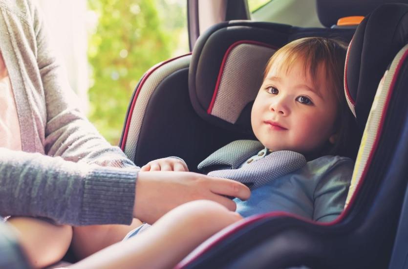 Na co zwrócić uwagę wybierając fotelik samochodowy?