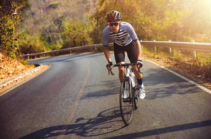 Jak wybrać odzież rowerową