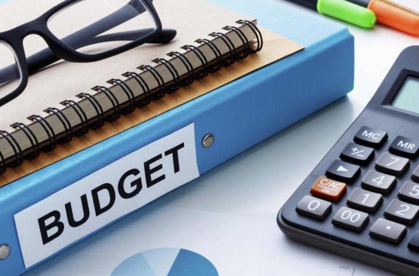 Czy warto zlecić prowadzenie księgowości biuru rachunkowemu