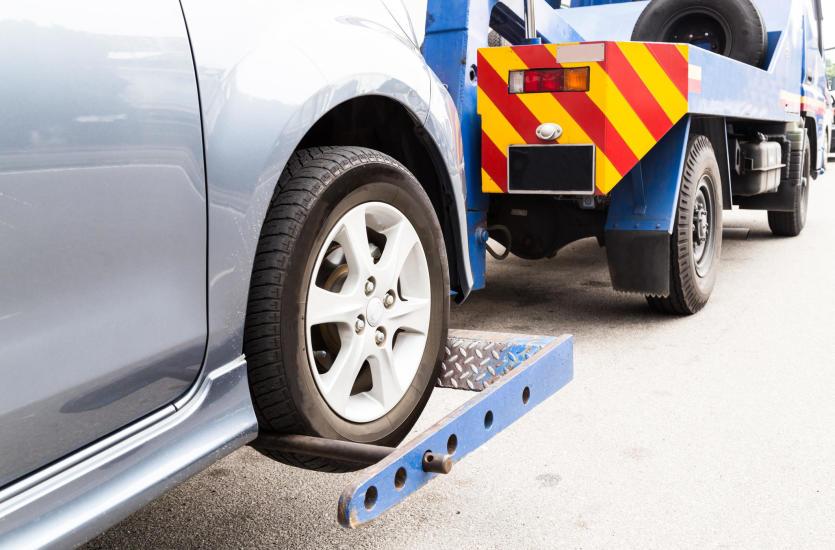 Pomoc drogowa – kiedy możemy potrzebować autoholowania?