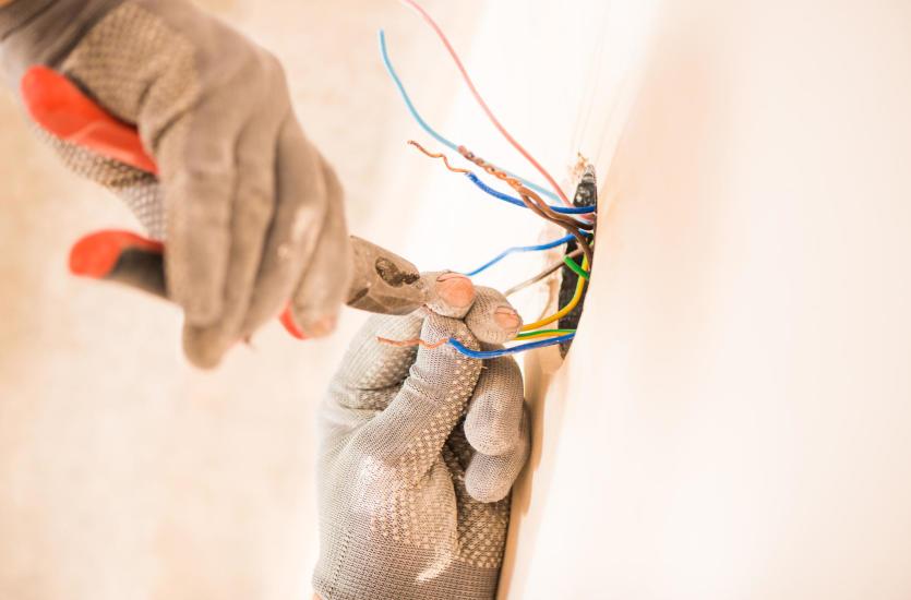 Co powinieneś wiedzieć o instalacjach elektrycznych?