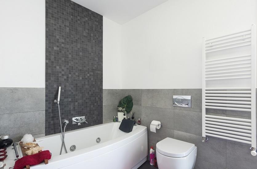 Jak dobrać grzejnik do łazienki?