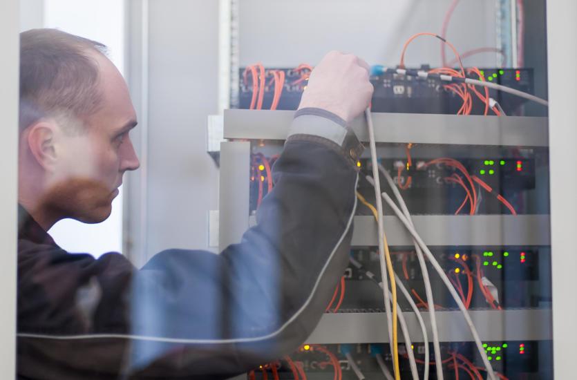 Od czego zależy zastosowana metoda montażu instalacji elektrycznej?