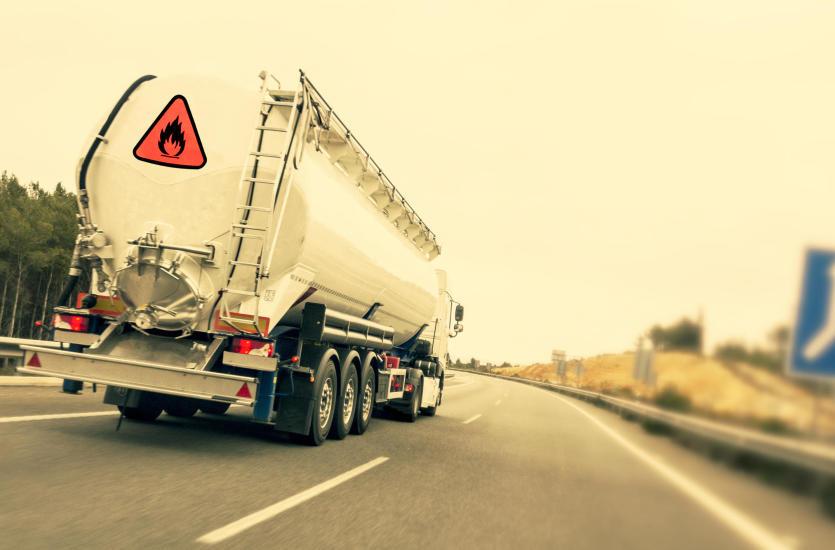 Na czym polega transport materiałów niebezpiecznych?