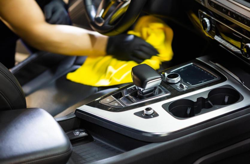 Kiedy warto skorzystać z mobilnych usług sprzątania wnętrza pojazdu?