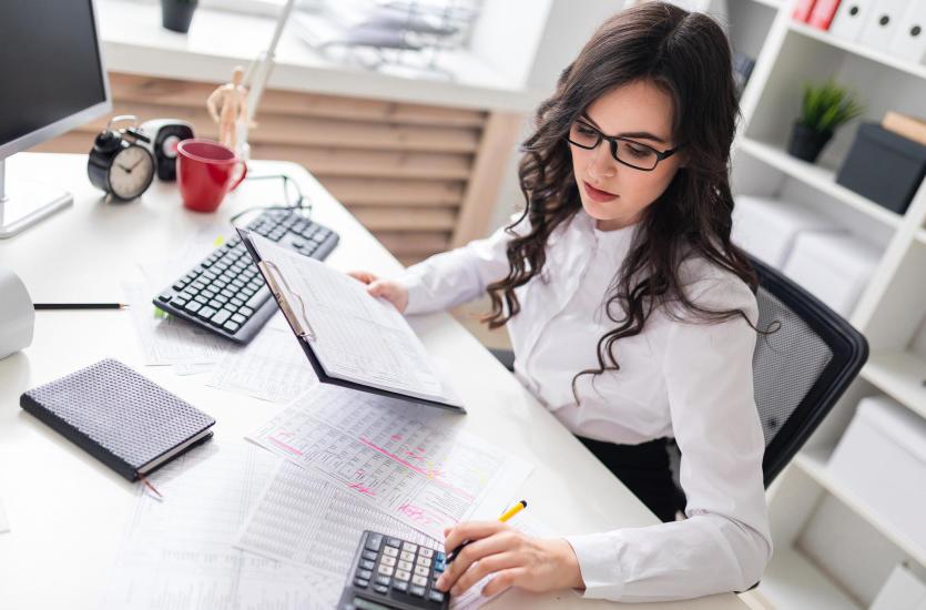 Dlaczego warto zlecić kadry i płace zewnętrznej firmie?