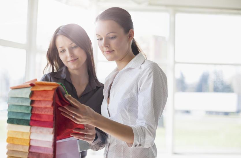 Gdzie kupić i jak wybierać najlepsze tkaniny odzieżowe?