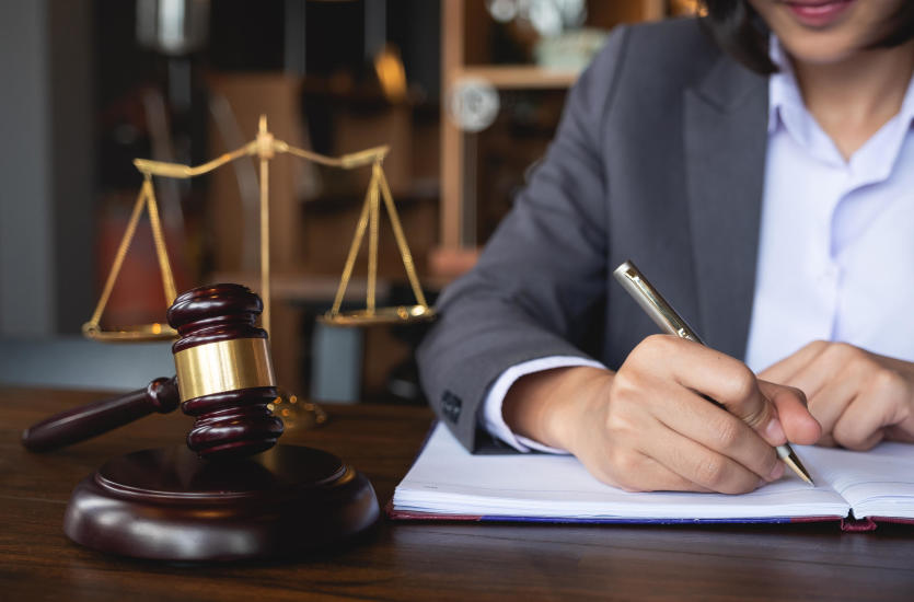 Prawo karne - czym się zajmuje?