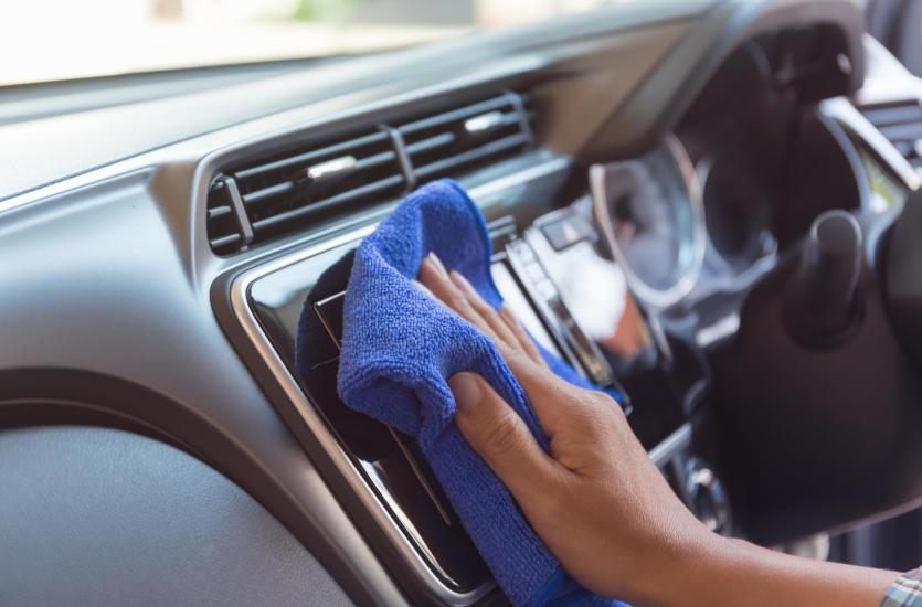 Gruntowne czyszczenie samochodu, czyli autodetailing w praktyce