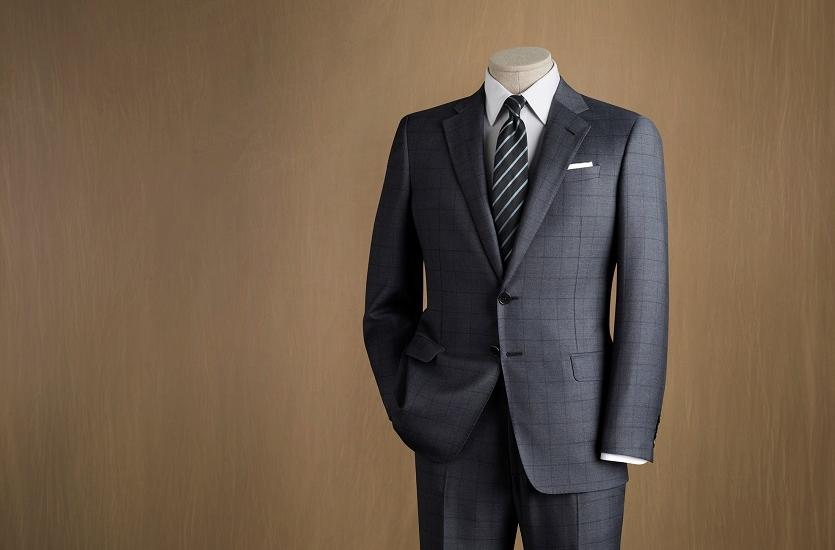 W jaki sposób dopasować garnitur do sylwetki?