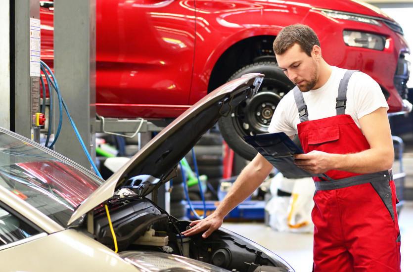 Jak dobrze ocenić auto przed zakupem? Przyda się diagnostyka komputerowa