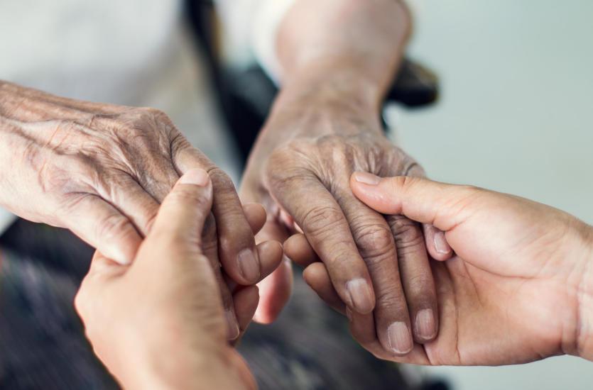 Jak wybrać dom opieki dla osoby starszej?