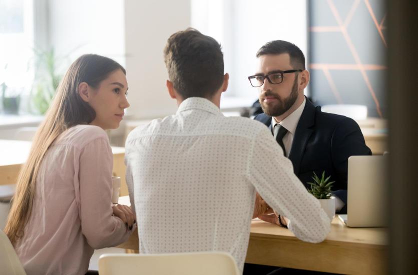 Co warto wiedzieć na temat obsługi prawnej firm?