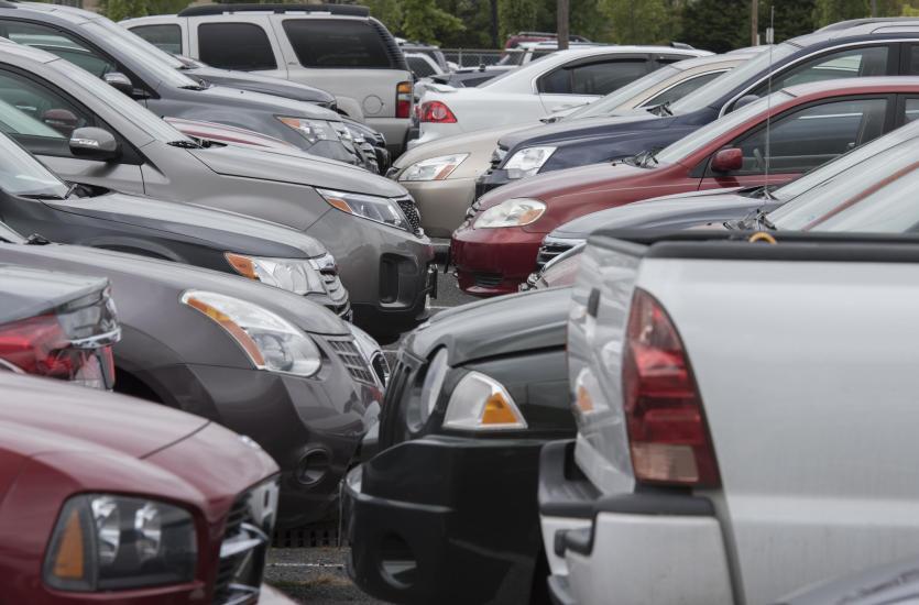 Samochód używany - jak bezpiecznie kupić?