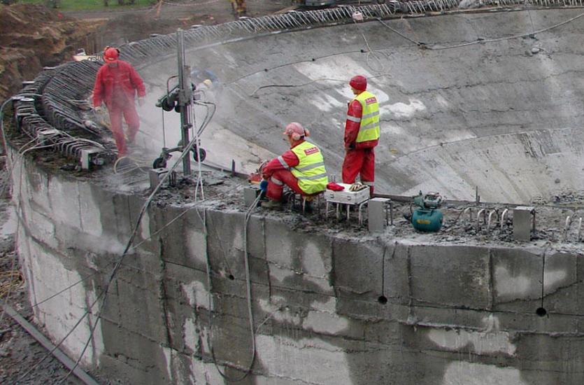 Precyzyjne cięcie i wiercenie betonu zbrojonego przez firmę Dasaj