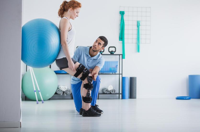 W czym może nam pomóc rehabilitacja?