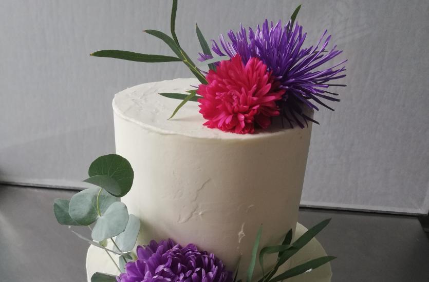 Na jaki tort weselny się zdecydować?
