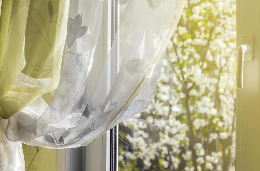 Tkaniny we wnętrzach - jak odmienić swoje mieszkanie?
