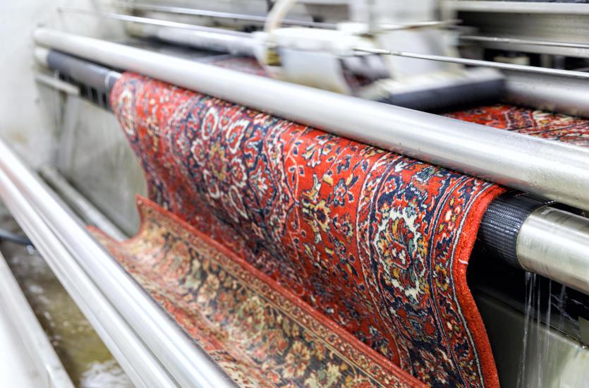 Jak wyczyścić zabrudzony dywan?